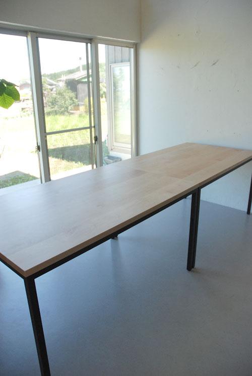 分割できる無垢の木とアイアン脚の丈夫なミーティングテーブル  3040イメージ-4
