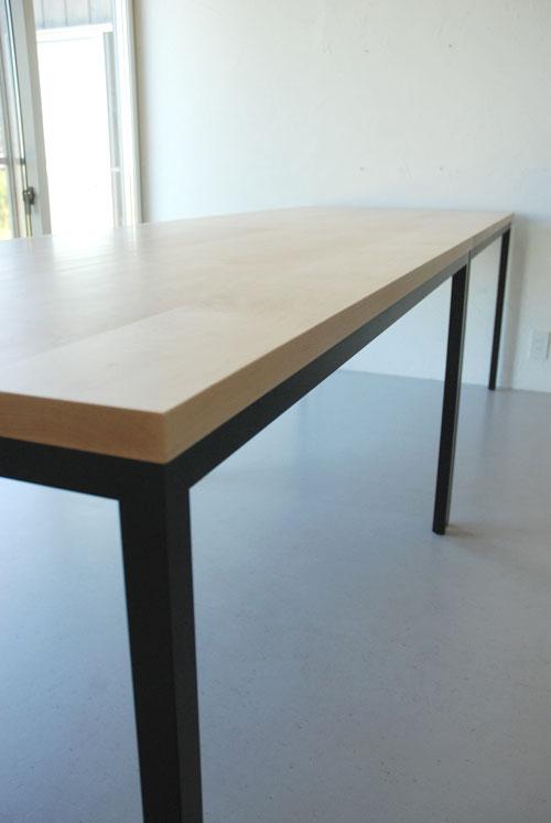 分割できる無垢の木とアイアン脚の丈夫なミーティングテーブル  3040イメージ-5