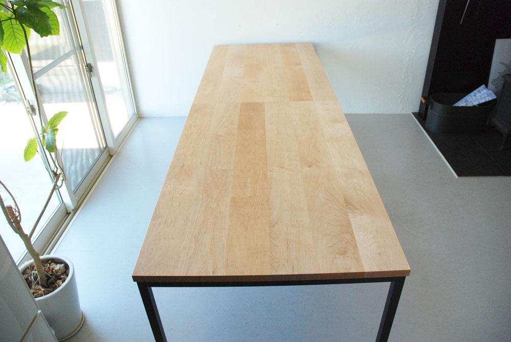 分割できる無垢の木とアイアン脚の丈夫なミーティングテーブル  3040イメージ-2