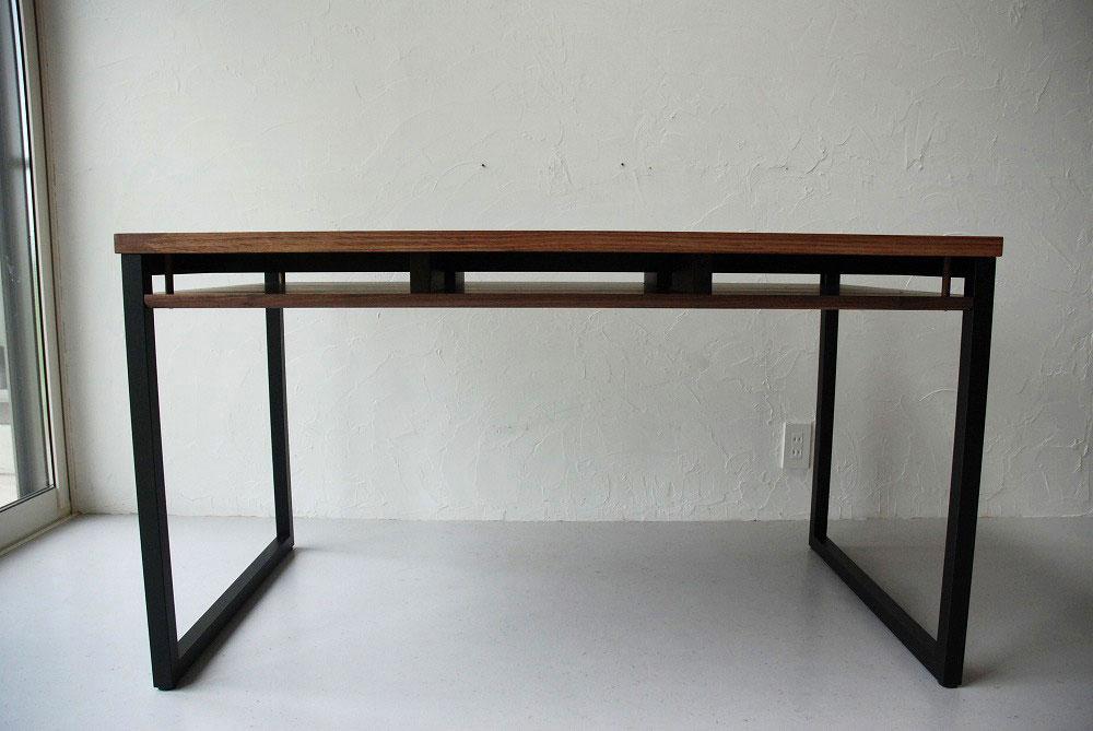 天板の下に棚のあるウォールナットのテーブル 3041イメージ-2