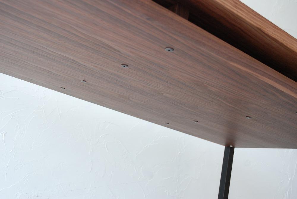 天板の下に棚のあるウォールナットのテーブル 3041イメージ-5