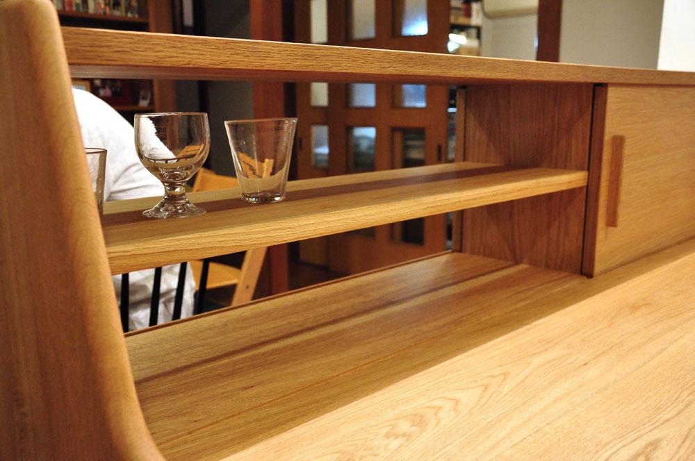 ダイニングとキッチンの間の壁にもなる、両面から取り出せるアイランド型の食器棚 5078イメージ-4