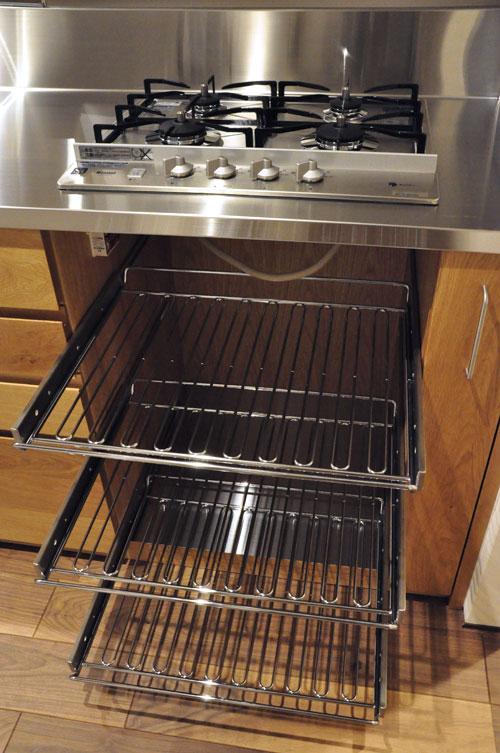 フレームキッチンに食洗機と引出し4段と調味料ワイヤーラックを追加。5077イメージ-8