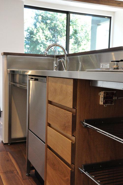 フレームキッチンに食洗機と引出し4段と調味料ワイヤーラックを追加。5077イメージ-6