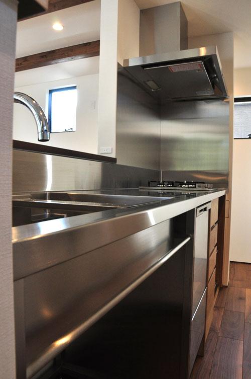 フレームキッチンに食洗機と引出し4段と調味料ワイヤーラックを追加。5077イメージ-5