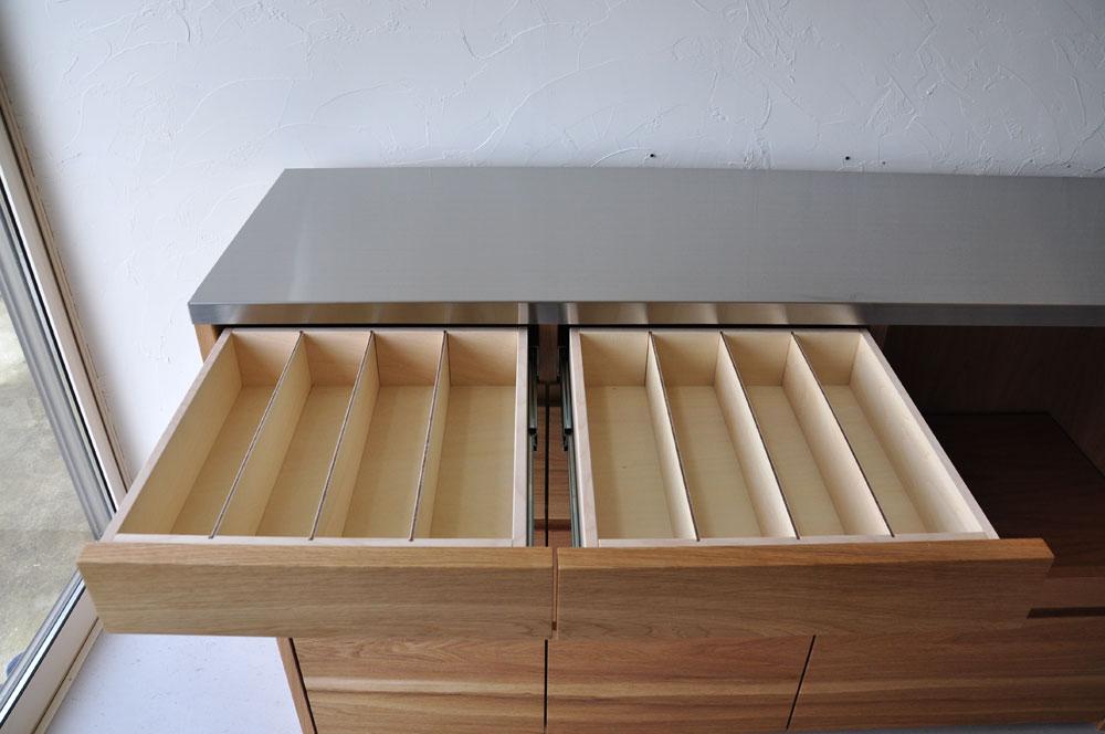 皿を縦置き収納できる、仕切板たくさんの引出しカップボード 5082イメージ-3