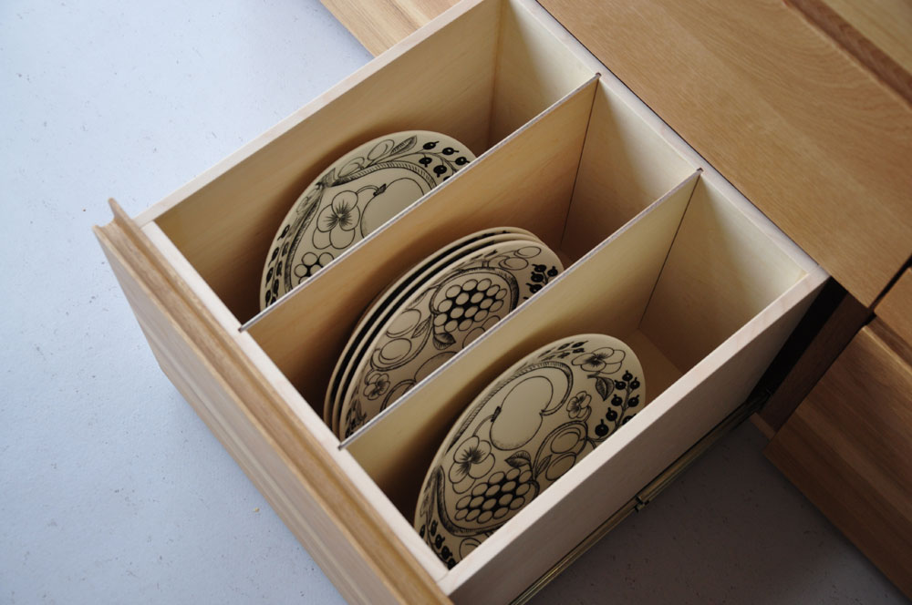 皿を縦置き収納できる、仕切板たくさんの引出しカップボード 5082イメージ-5