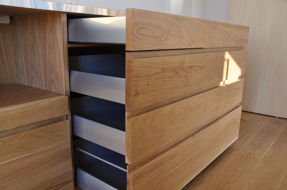 無印良品の家との相性もいいステンレス天板とオークのキッチンボード 5081イメージ-5