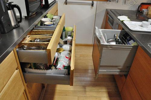 引き戸と引出しの3.5メートルあるオーク材のキッチン背面収納 5083イメージ-6