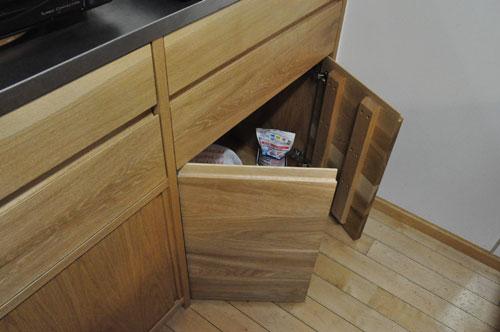 引き戸と引出しの3.5メートルあるオーク材のキッチン背面収納 5083イメージ-4
