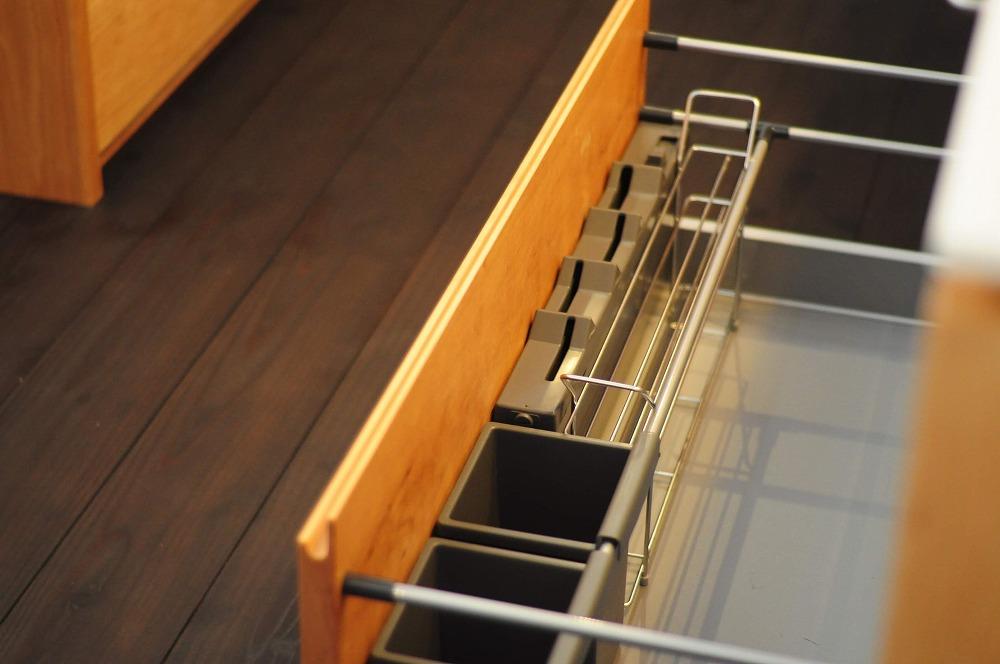 クォーツストーン天板の2型キッチン シンクとコンロをセパレート 5088イメージ-16