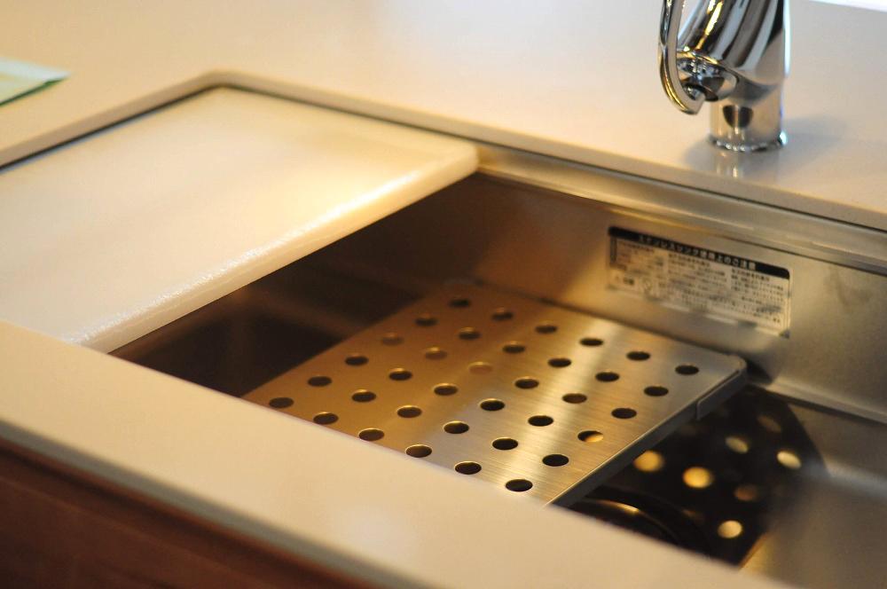 クォーツストーン天板の2型キッチン シンクとコンロをセパレート 5088イメージ-7