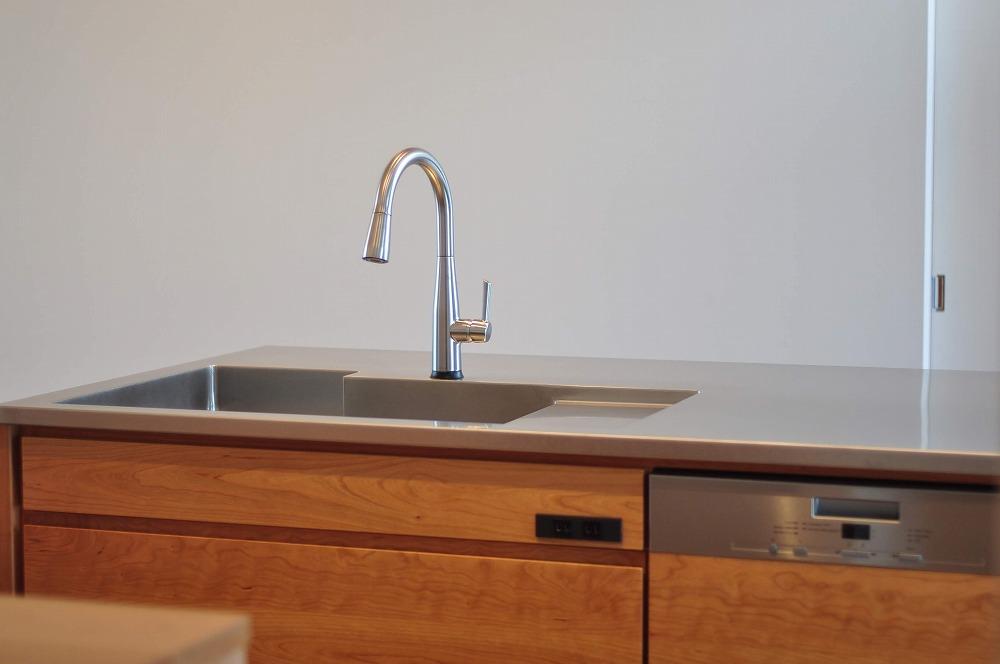 IHとガス併用のハイブリッドコンロのあるフロートタイプのキッチン 5089イメージ-10