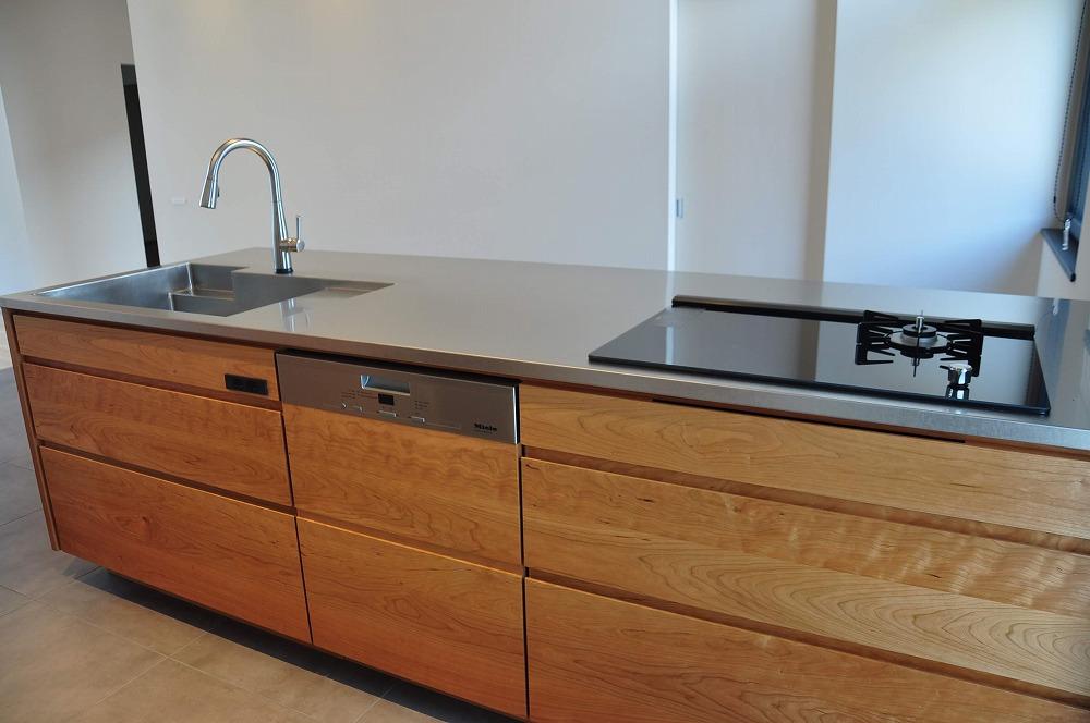 IHとガス併用のハイブリッドコンロのあるフロートタイプのキッチン 5089イメージ-3