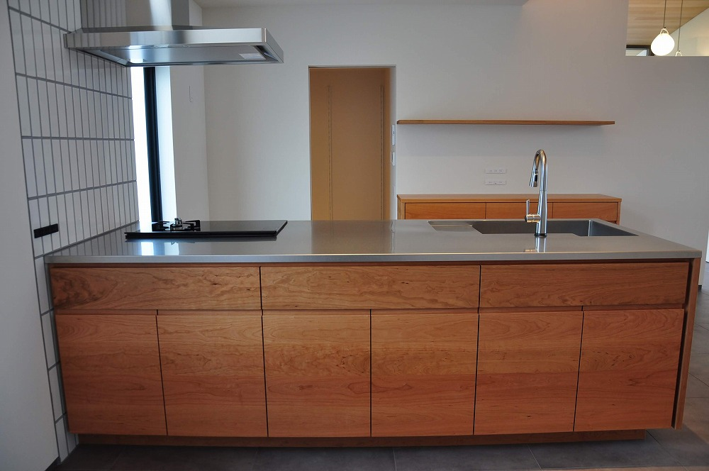 IHとガス併用のハイブリッドコンロのあるフロートタイプのキッチン 5089イメージ-6