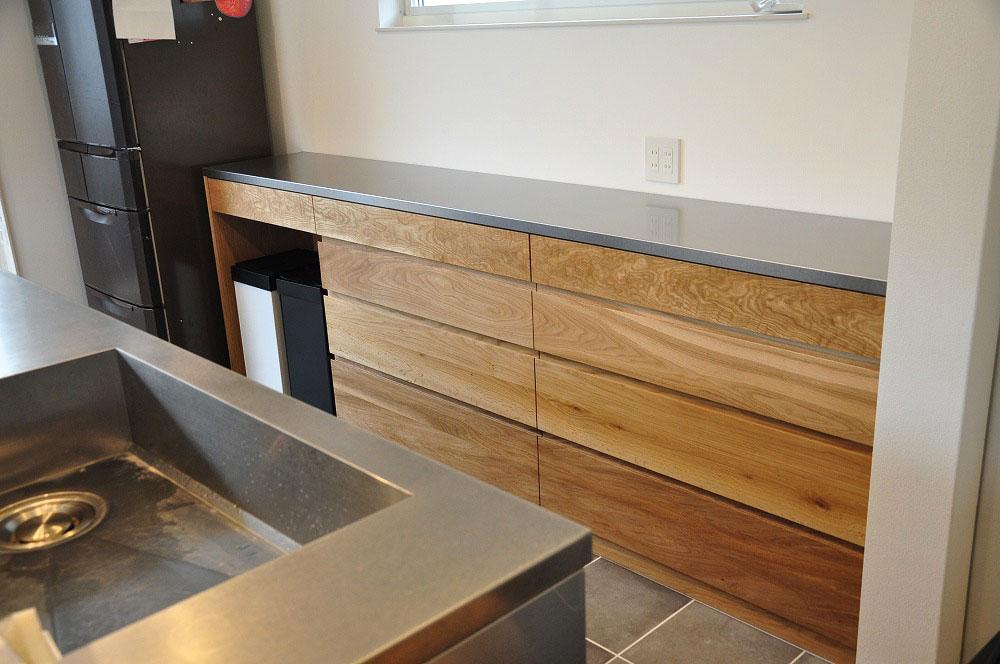 2.7mのキッチンカウンター オールステンレスキッチンと合わせたM様 5090イメージ-5