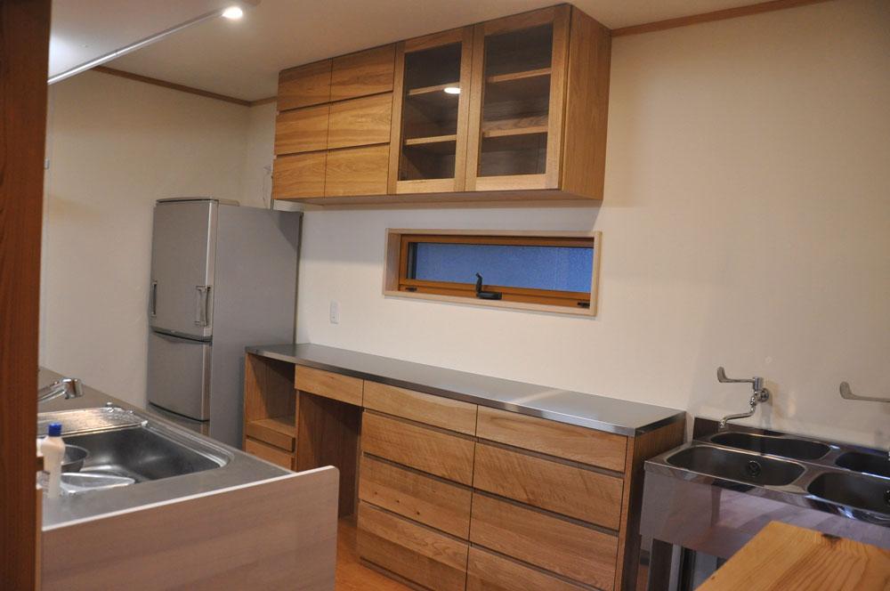 2層シンクと並べて使う吊戸棚と食器棚 5095