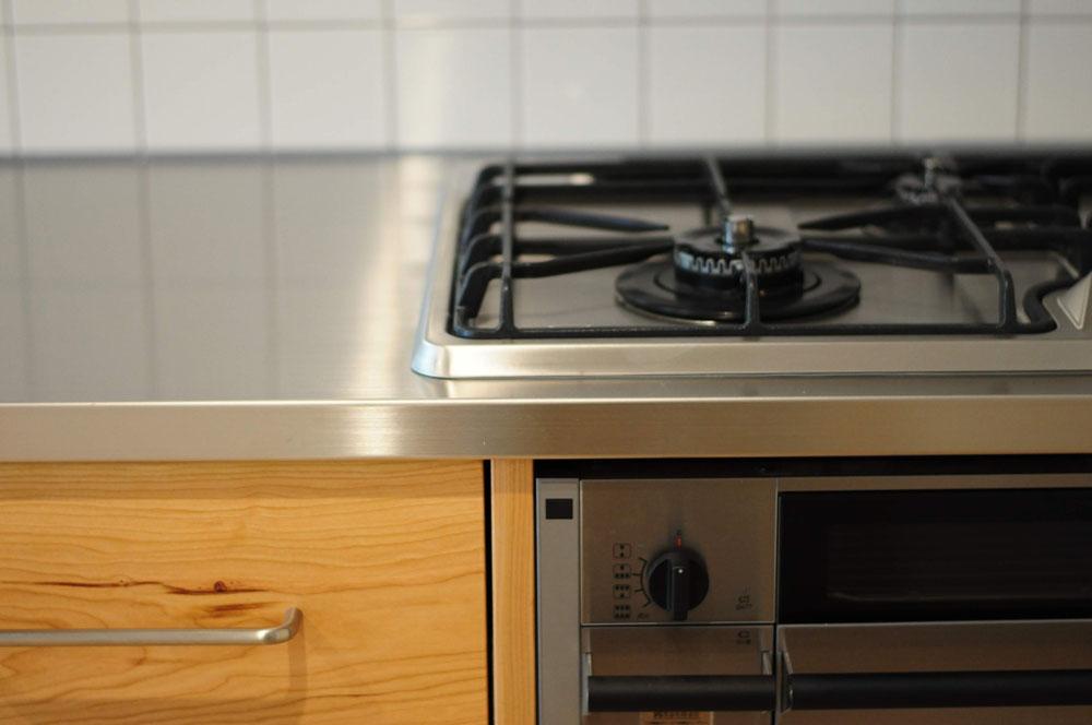 4m以上ある長いステンレスシンク一体天板とアスコ食洗機のあるキッチン 5096イメージ-12