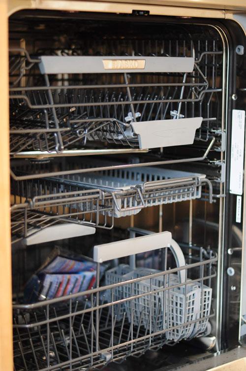 4m以上ある長いステンレスシンク一体天板とアスコ食洗機のあるキッチン 5096イメージ-5