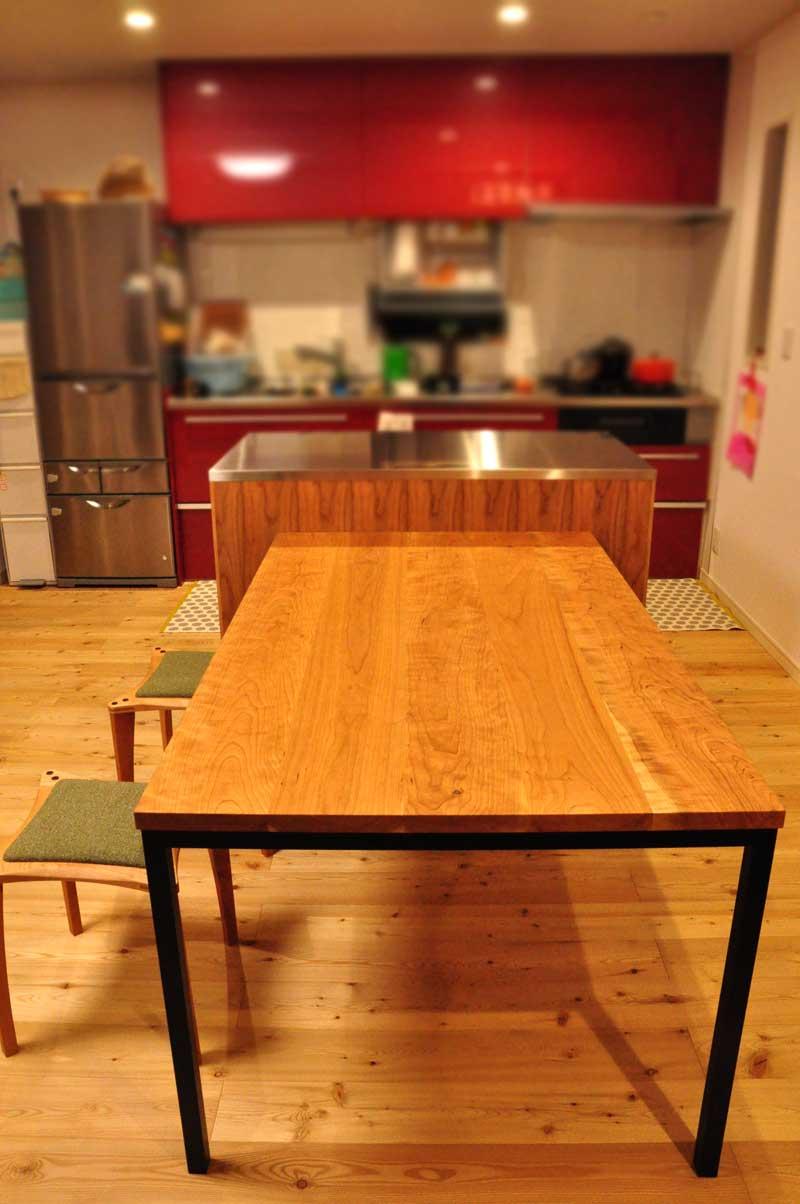 3方向から収納できるアイランドカウンター食器棚とダイニングテーブルとスツール 5099イメージ-3