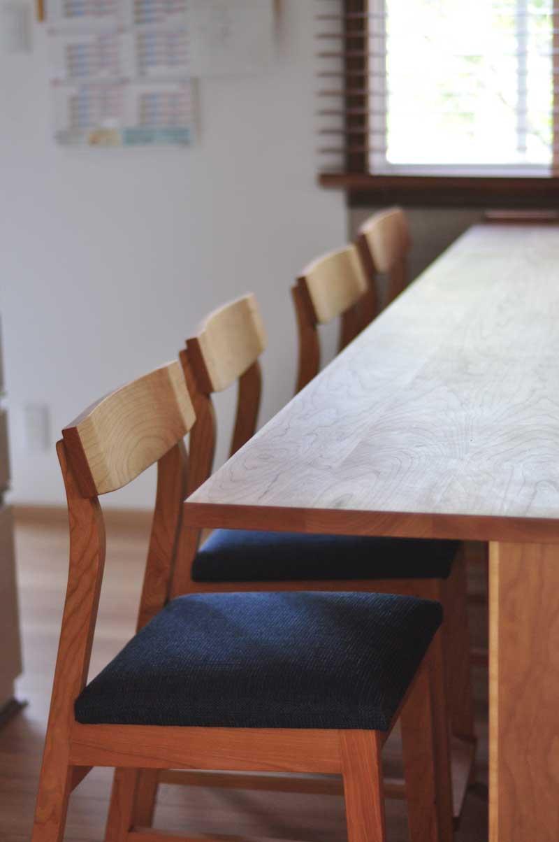 キッチンと同じW2550の作業台兼カウンター収納を無垢材天板で 5100イメージ-8
